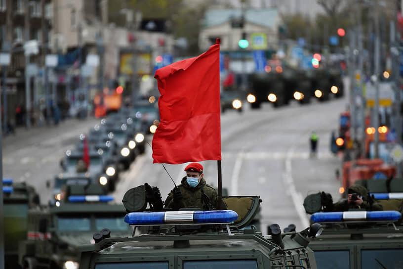 Москва. Военная техника на репетиции парада