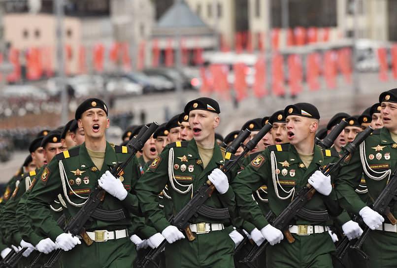 Москва. Военнослужащие перед началом парада