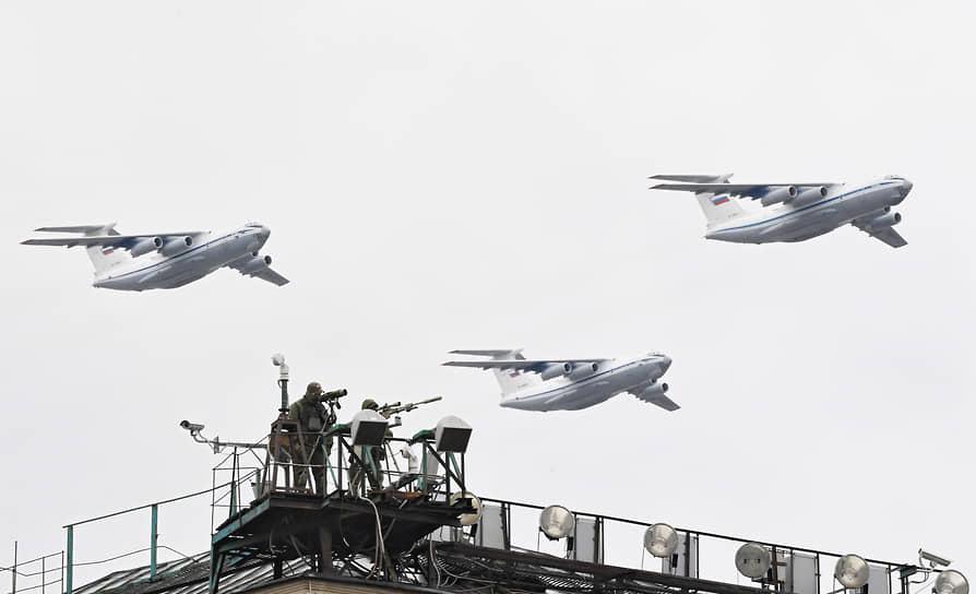 Москва. Тяжелые транспортные самолеты Ил-76