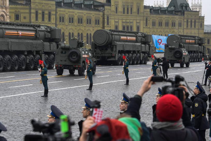 Москва. Демонстрация военной техники на параде