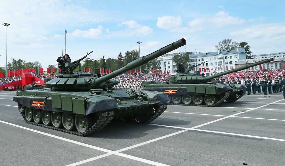 Самара. Военная техника на параде Победы