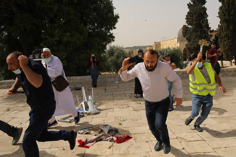 10 мая в Израиле отмечается день Иерусалима, установленный в честь перехода восточной части города под контроль Израиля после Шестидневной войны. В этот день в израильской столице проходит традиционное шествие с флагами и другие мероприятия
