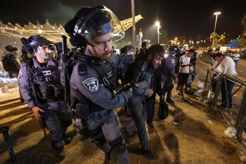 В полиции Израиля заявили, что за волнениями стояли экстремисты, и что силы правопорядка «не позволят экстремистам нанести ущерб безопасности общественности»