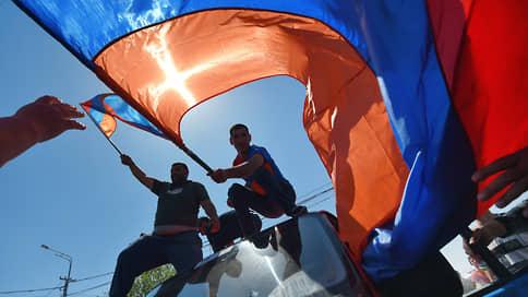 Армянские депутаты расчистили дорогу к выборам // Парламент во второй раз не смог избрать премьера и будет распущен