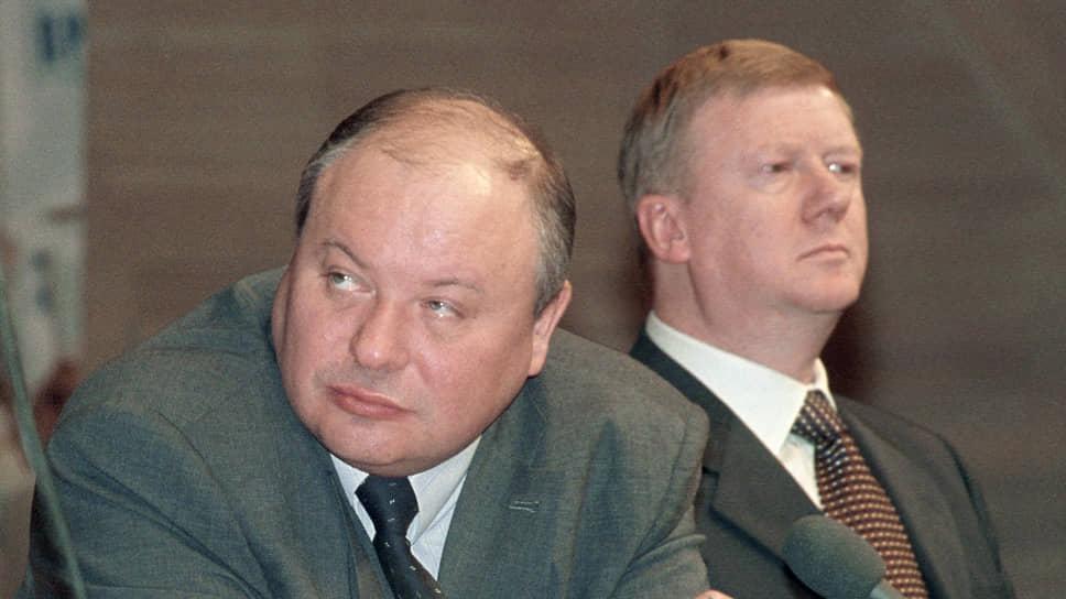 Егор Гайдар и Анатолий Чубайс уже остались в истории, как люди, помогавшие Борису Ельцину перевести Россию от социалистической экономики к рыночной