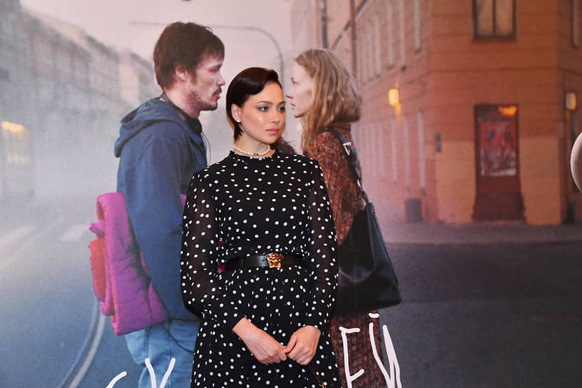 Актриса Настастья Самбурская на премьере фильма режиссера Александра Молочникова «Скажи ей» в кинотеатре «Художественный»