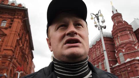 Алексею Дымовскому разрешили сдать тротил // Суд прекратил уголовное дело скандально известного экс-сотрудника МВД