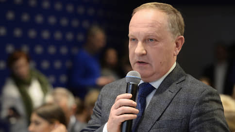 В отставку по требованию // Мэр Владивостока уволился по совету полпреда и губернатора