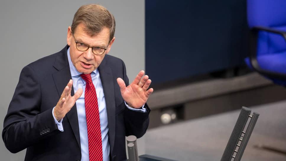 Депутат Бундестага Йоханн Вадефуль считает, что российско-германские отношения превзошли ожидания 1941-го года
