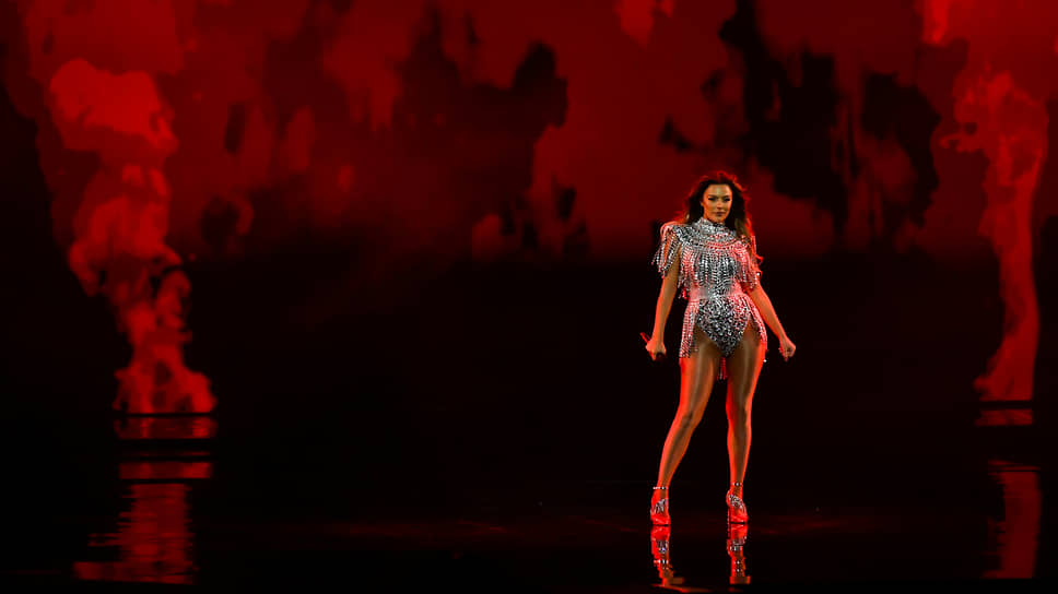 Представительница Албании Анжела Перистери стала 21-й, набрав 54 балла