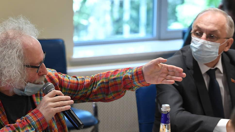 Главный редактор радиостанции «Эхо Москвы» Алексей Венедиктов и заместитель председателя Мосгоризбиркома Юрий Ермолов