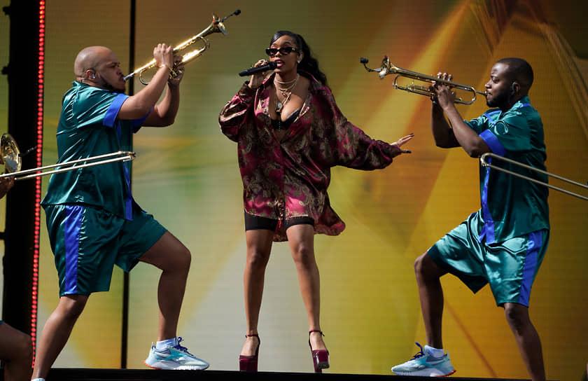 Хип-хоп певица H.E.R., взявшая награды за лучшую песню на последней церемонии вручения «Грэмми» и «Оскар» за песню для фильма «Иуда и черный мессия»