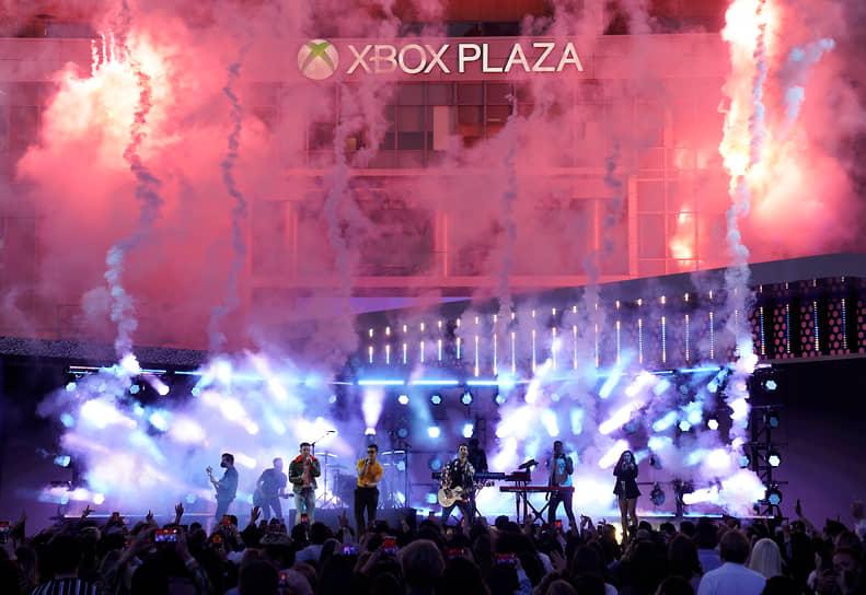 Выступление группы Jonas Brothers