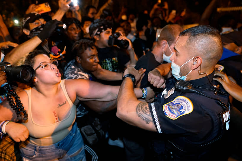 За несколько дней демонстрации и беспорядки охватили почти полторы сотни крупных городов США, в десятках был объявлен комендантский час. Таких мер в стране не предпринимали с 1968 года, когда убийство правозащитника Мартина Лютера Кинга вызвало массовые беспорядки