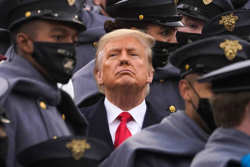 Имея в виду участников протестов, президент США Дональд Трамп написал в Twitter: «Эти бандиты оскверняют память Джорджа Флойда, и я не позволю происходить такому». На фоне беспорядков он также заявил, что США внесут движение «Антифа» в список террористических организаций, и возложил ответственность за беспорядки в Миннеаполисе на «радикальных левых анархистов»