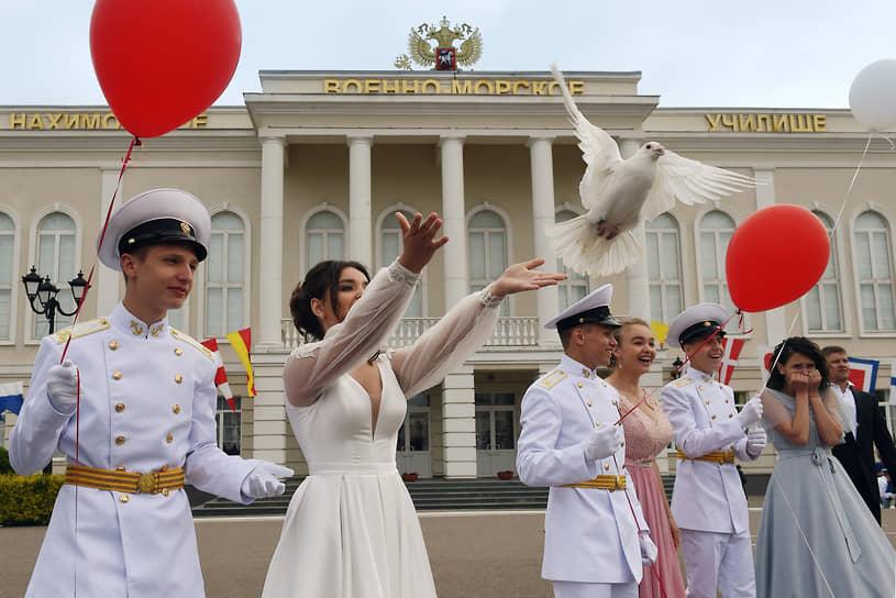 Севастополь, Россия. «Последний звонок» в кадетском училище