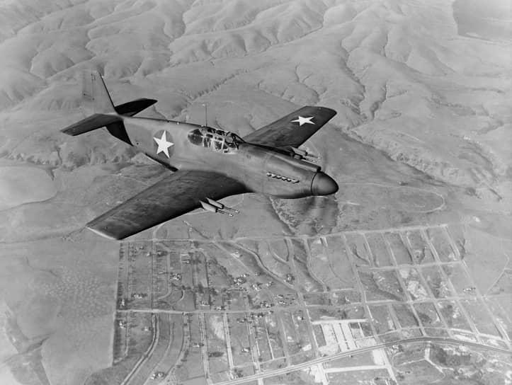 Уже через месяц, в мае 1950 года воздушную границу СССР неподалеку от аэродрома Уэлькаль на Чукотке нарушили два самолета ВМС США F-51 Mustang. Произошло боевое столкновение с двумя советскими истребителями Ла-11. В ходе боя один F-51 был сбит, один советский самолет получил повреждения  <br>На фото: американский истребитель F-51 Mustang