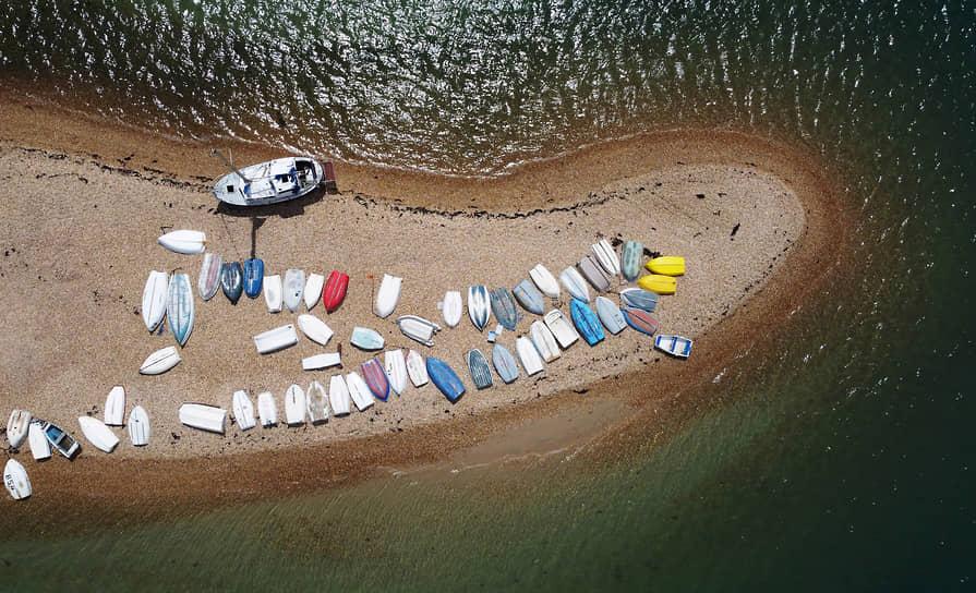 Портсмут, Великобритания. Лодки на берегу