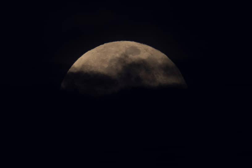 Сан-Диего, США. Луна в Калифорнии