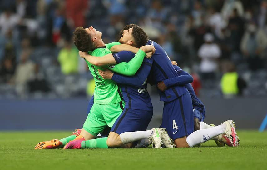 Футболисты «Челси» празднуют победу