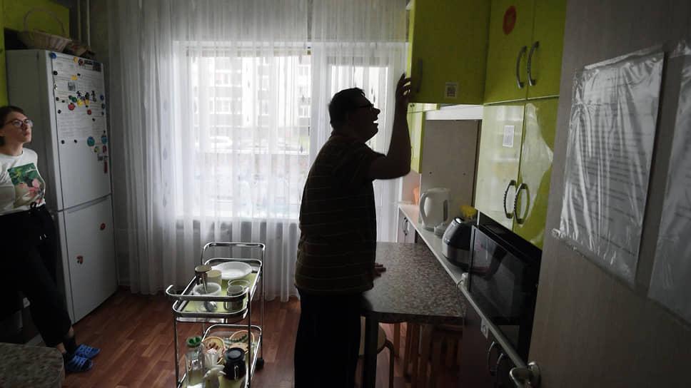 В квартирах сопровождаемого проживания у каждого есть свои обязанности. Готовят все по очереди. Даже люди с сильными нарушениями могут участвовать в приготовлении пищи