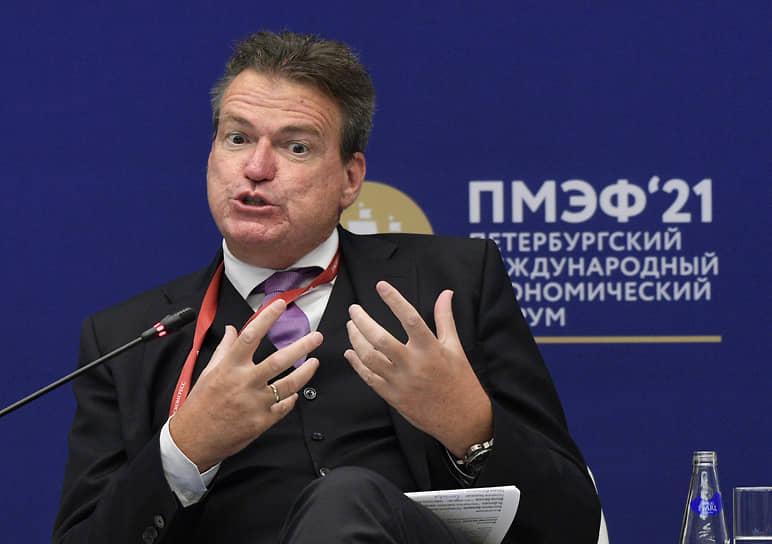 Председатель правления Российско-Германской внешнеторговой палаты Маттиас Шепп на сессии «Эволюция роли малого бизнеса: новые вызовы, новые цели»