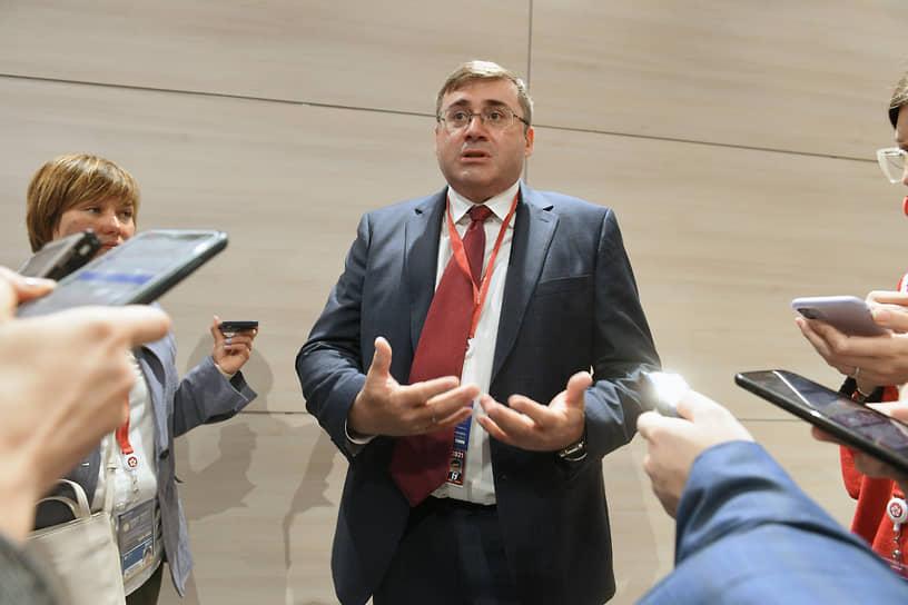 Первый заместитель председателя Центробанка России Сергей Швецов во время форума