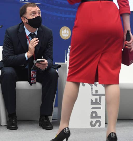 Санкт-Петербург, Россия. Основатель компании «Русал» Олег Дерипаска на ПМЭФ