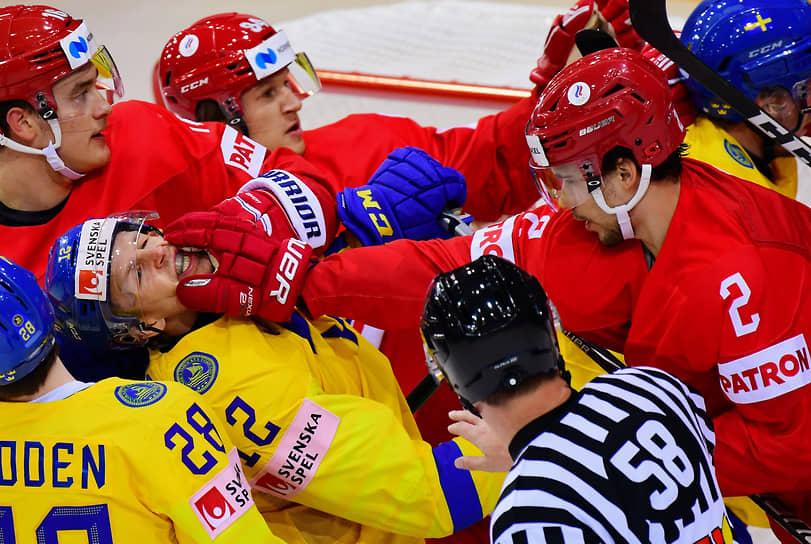 Матч между сборными России и Швеции на стадионе Олимпийского спортивного центра