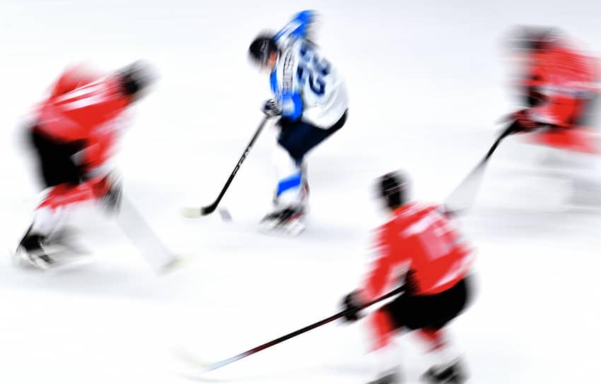 Матч между сборными Финляндии и Канады