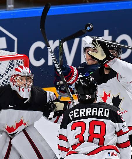 Полуфинал между сборными США и Канады