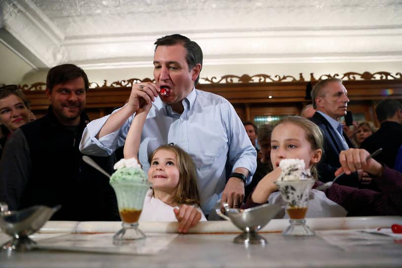 Кандидат в президенты США от республиканцев Тед Круз с дочерьми, 2016 год