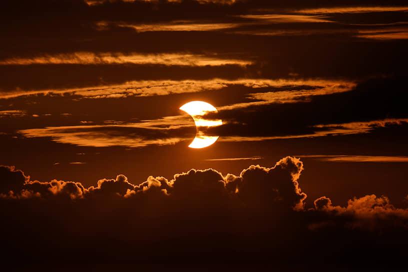 Вид на солнечное затмение из штата Мэриленд, США