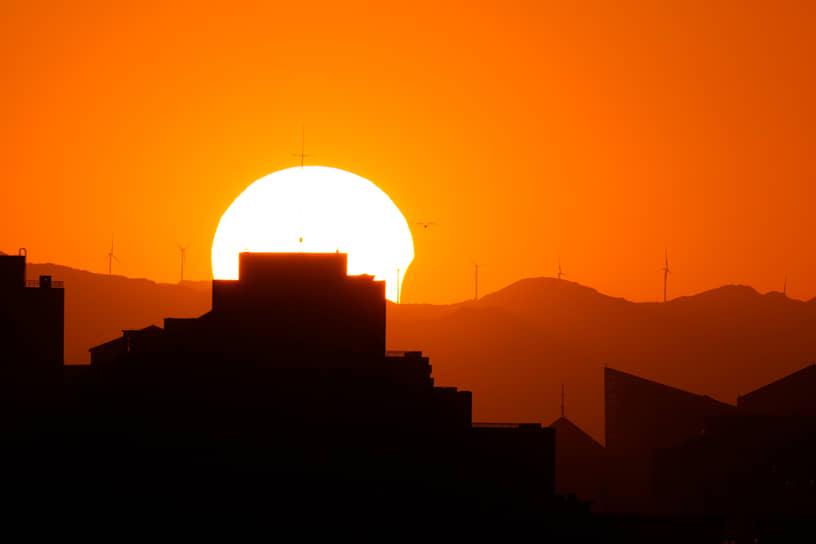 Солнечное затмение в Пекине