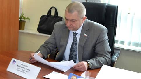 Депутату нашлось оправдание  / Гендиректор саратовского предприятия признан невиновным по делу о мошенничестве
