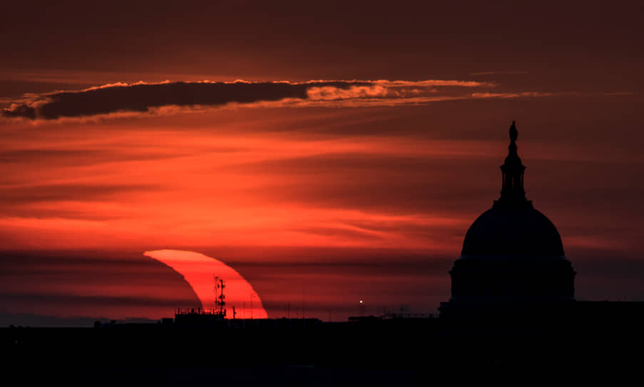 Солнечное затмение в штате Виргиния, США