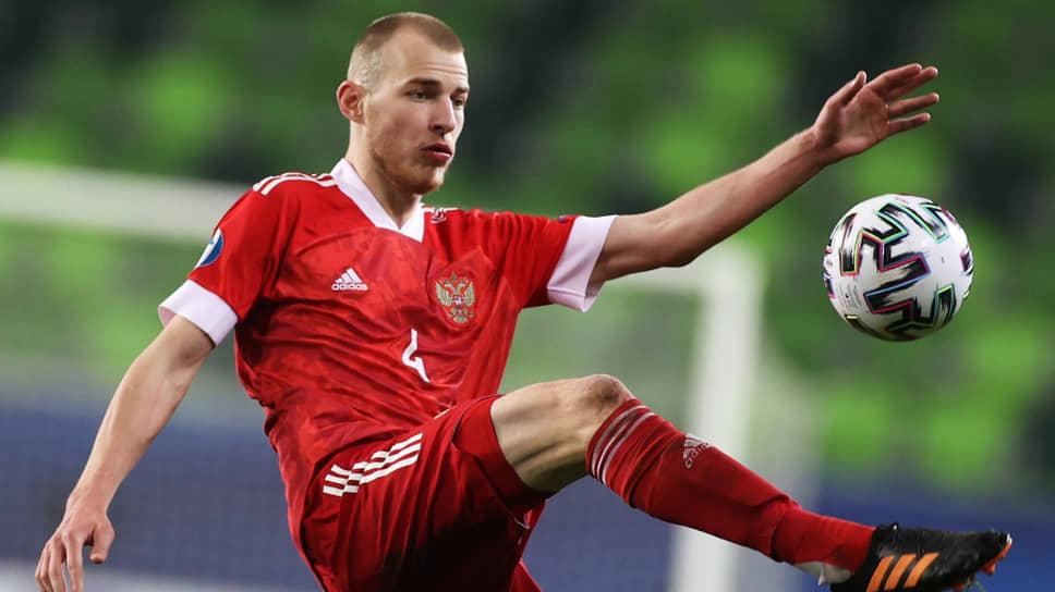 Футболист Роман Евгеньев