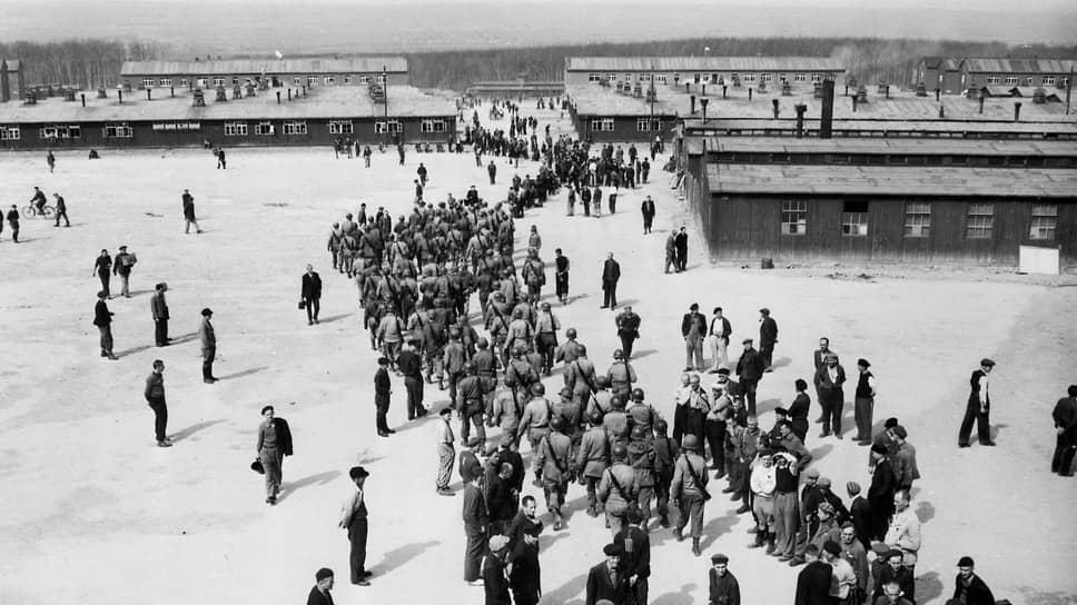 «Их отправили в нацистский концлагерь, откуда их освободили американцы к концу войны»