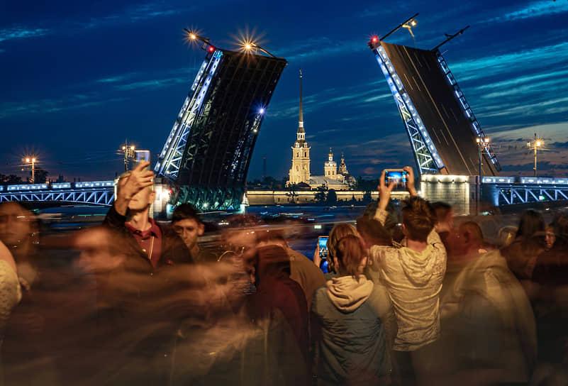 Санкт-Петербург. Развод мостов