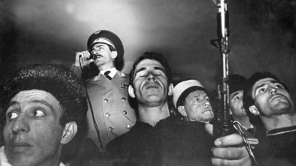 В июне 1991 года на второй сессии Чеченского национального съезда Джохар Дудаев был избран председателем Исполнительного комитета Общенационального Конгресса чеченского народа. С этого момента Дудаев в качестве руководителя Исполкома ОКЧН формирует параллельные органы власти