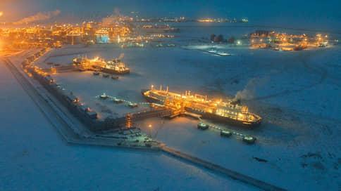 НОВАТЭК открыл навигацию по Севморпути  / Компания отправила первый груз в новом сезоне