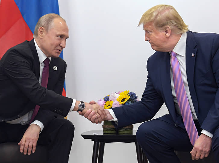 Отношения с Россией, улучшение которых было одним из предвыборных обещаний, продолжили деградировать. К концу первого срока администрация практически исчерпала возможности для введения антироссийских санкций. Две личные встречи Трампа с Путиным не смогли переломить ситуацию
