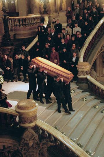 Умер танцовщик от СПИДа 6 января 1993 года в Париже. Согласно его завещанию, он был похоронен на русском кладбище Сент-Женевьев-де-Буа