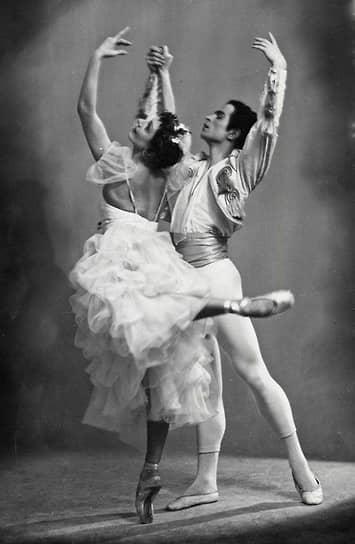 В 1958 году балетмейстер стал солистом Ленинградского государственного академического театра оперы и балета имени Кирова (с 1992 года — Мариинский театр). Дебютировал в паре со знаменитой балериной Натальей Дудинской в балете Александра Крейна «Лауренсия»