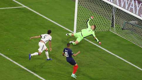 Сборная Франции сыграла по титулу // В первом матче чемпионата Европы она победила немцев