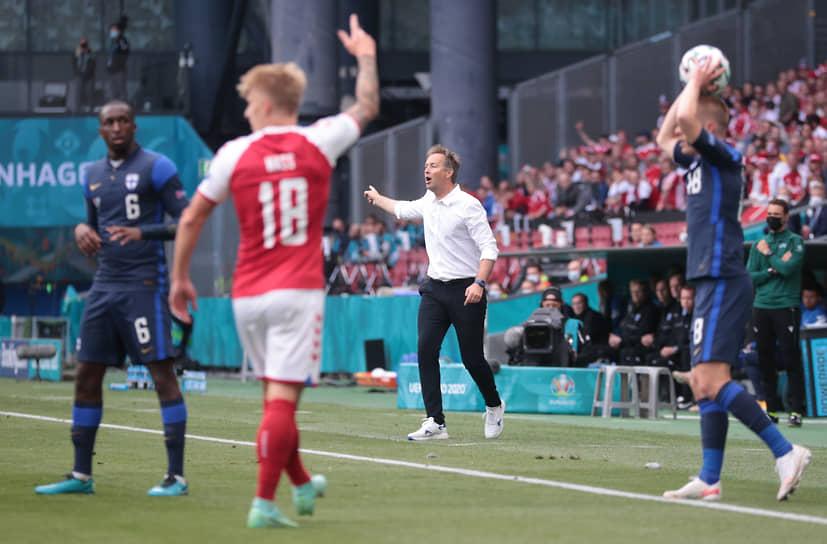 <b>Каспер Хьюлманд, сборная Дании, группа B</b><br> Возраст: 49 лет<br> Возглавляет сборную с 1 июля 2020 года<br> Зарплата: €0,3 млн в год<br> Основные достижения: вместе с «Норшелланном» стал чемпионом Дании