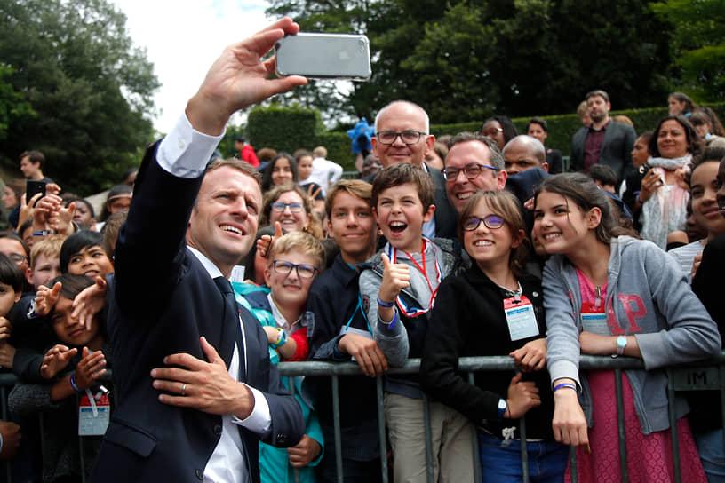 Президент Франции Эмманюэль Макрон во время церемонии, посвященной 78-й годовщине призыва к сопротивлению французского генерала Шарля де Голля, 2018 год