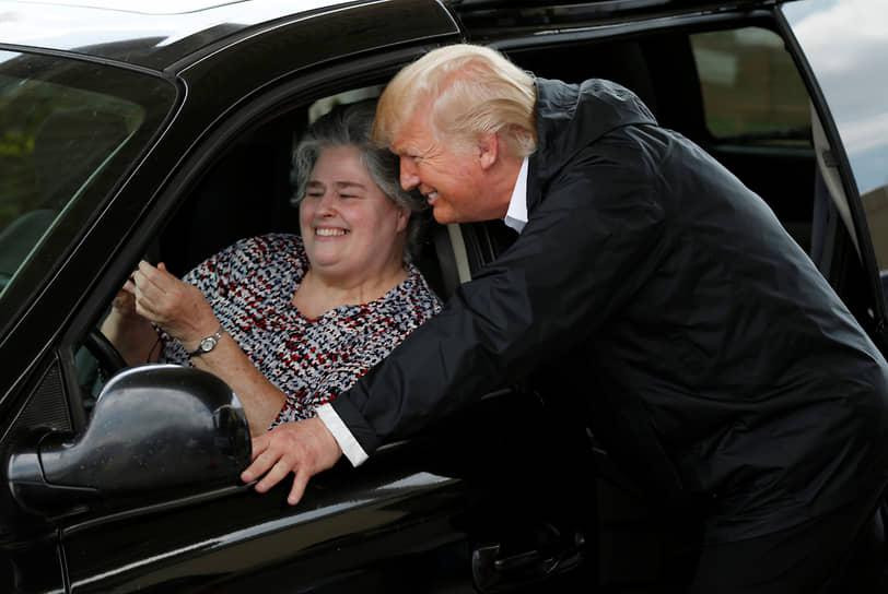 Президент США Дональд Трамп во время посещения Хьюстона (штат Техас) после урагана Харви, 2017 год