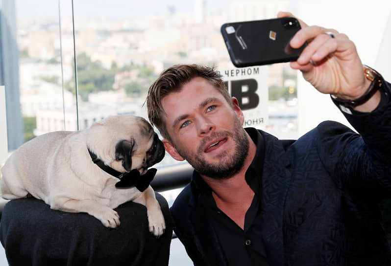 В 2019 году вторым после Дуэйна Джонсона в топе самых дорогих актеров стал австралиец Крис Хемсворт с доходом в $76 млн. Актер наиболее известен по франшизам Marvel «Мстители» и «Тор»
