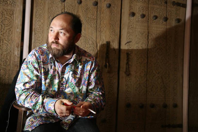 Тимур Бекмамбетов часто выступает в роли сценариста и продюсера своих картин. Так, режиссер писал сценарии для собственных фильмов «Пешаварский вальс», «Ночной дозор» и «Дневной дозор», «Ирония судьбы. Продолжение», а также киноальманахов «Елки» и «Елки-2». Продюсировал такие фильмы, как «Черная молния» (2009), «Выкрутасы» (2010), «Джентльмены, удачи!» (2012), «Горько!» (2013), «День дурака» (2014) и другие